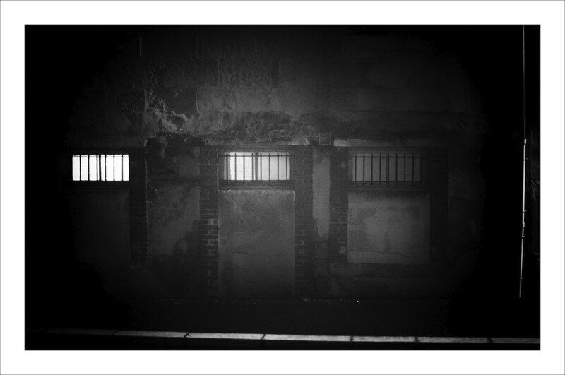 Ville nuit brume 161119 2 ym mur 3 fenêtres