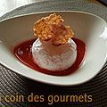 Ile flottante à la framboise,coulis fraise,tuile de fruits rouges