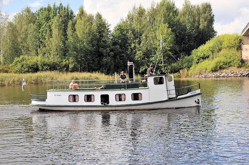 Défilé_de_navires_à_vapeur_Mikkeli_Finlande_ (17)