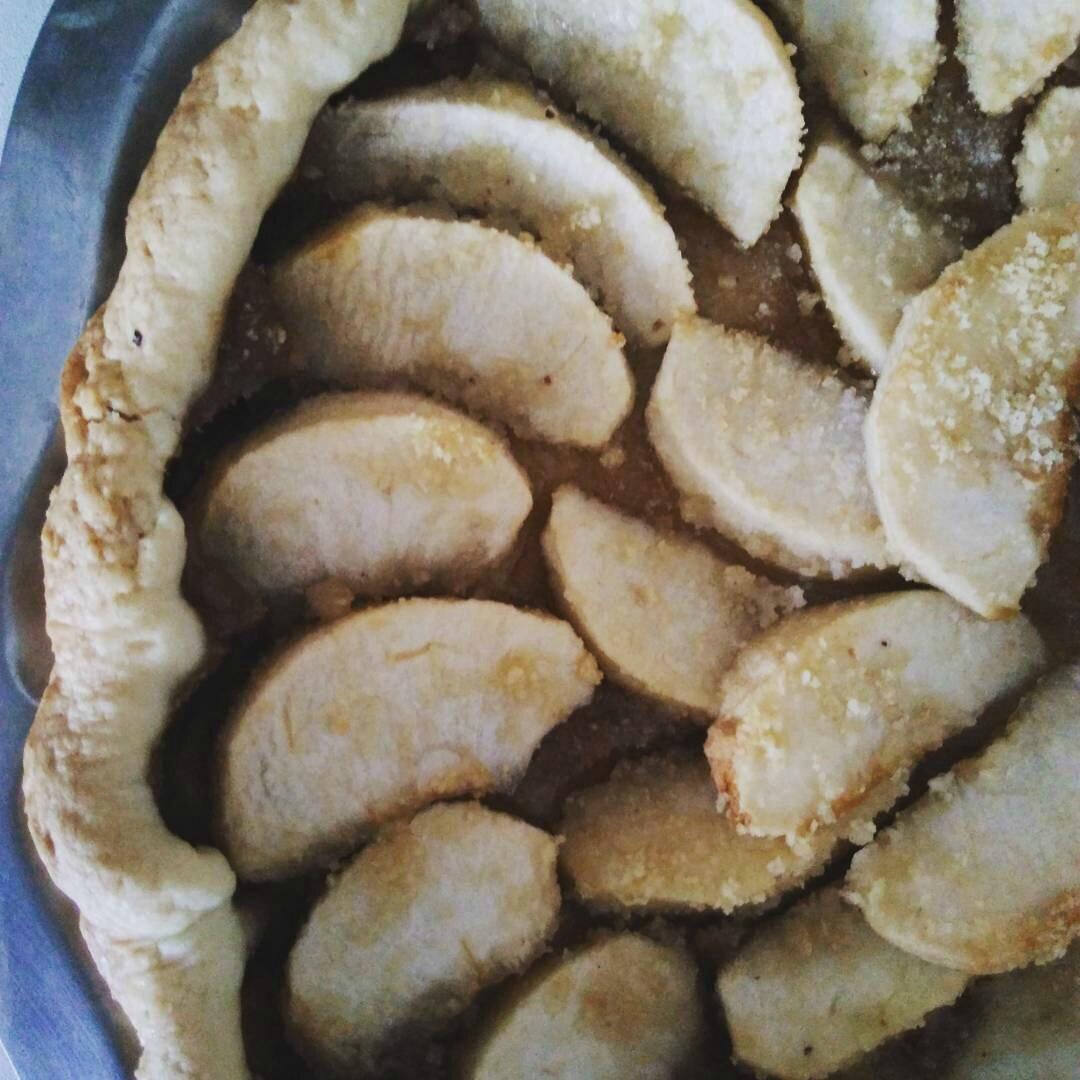 Tarte aux pommes & crème de noisettes..