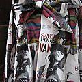 Ciré imprimé couverture de magazine de mode fermé par noeud sur la poitrine (5)