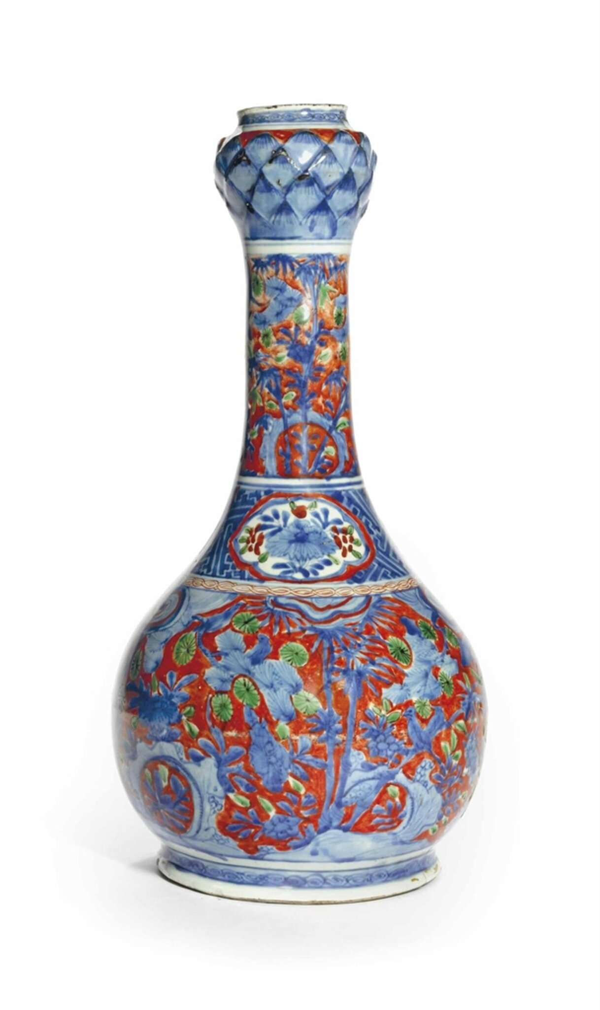 An iron-red-ground blue and white 'garlic mouth' vase, Wanli period (1573-1619)
