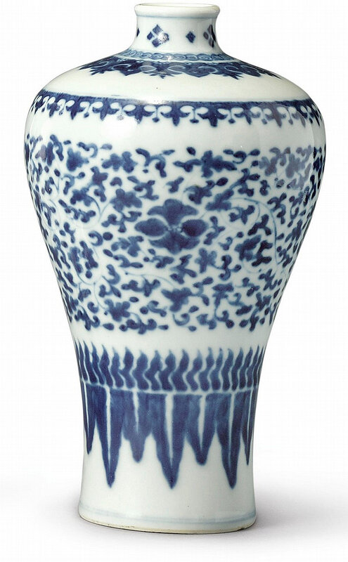 A blue and white 'Floral' meiping, Qing dynasty, Kangxi period (1662-1722)