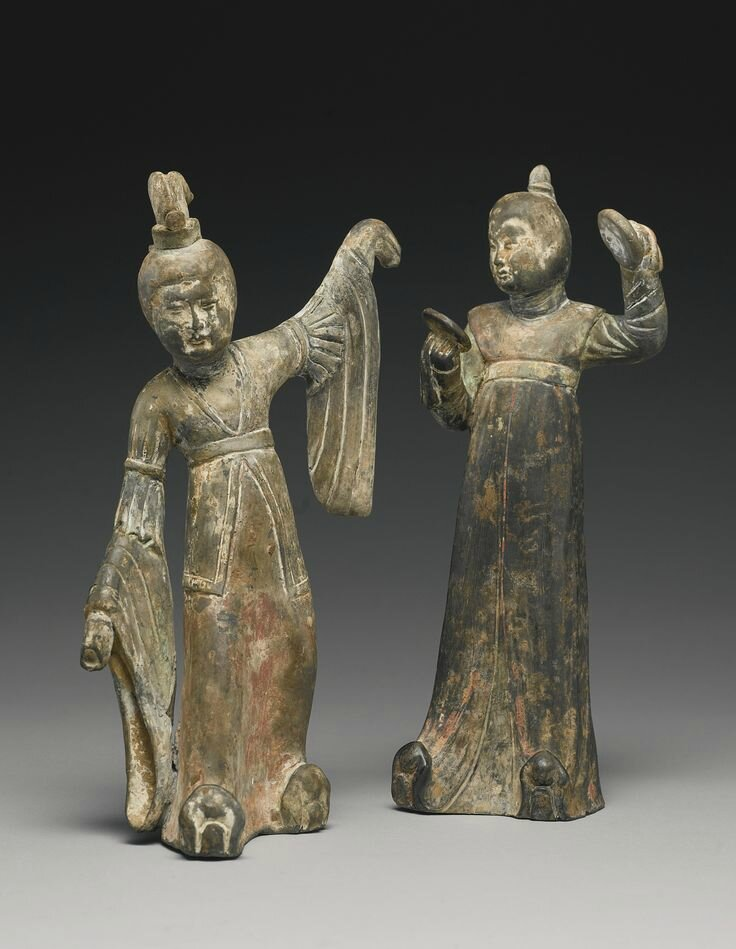 Two painted gray pottery figures of female attendants, Early Tang dynasty1