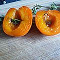 Brochettes abricots romarin