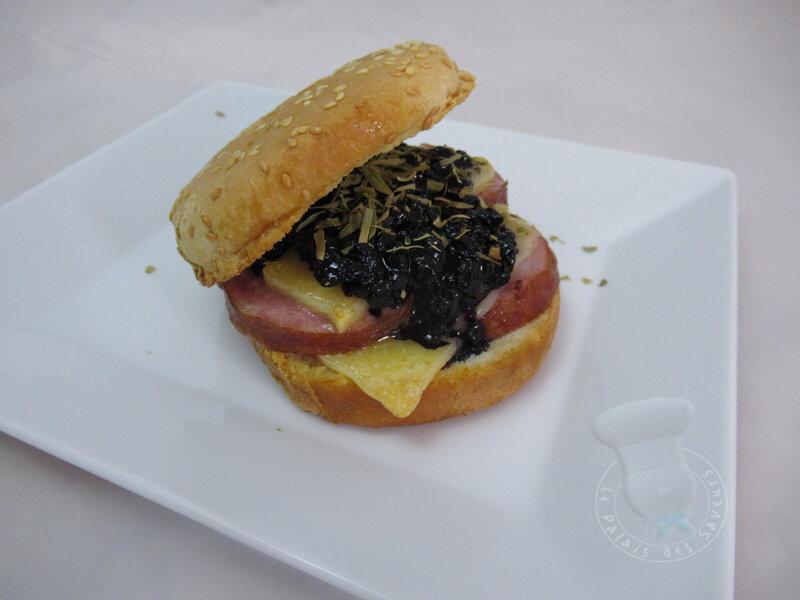 Burger Morteau, myrtilles, estragon, Comté