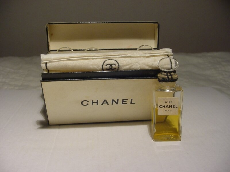 CHANEL-N°22-ANCIENCOFFRET