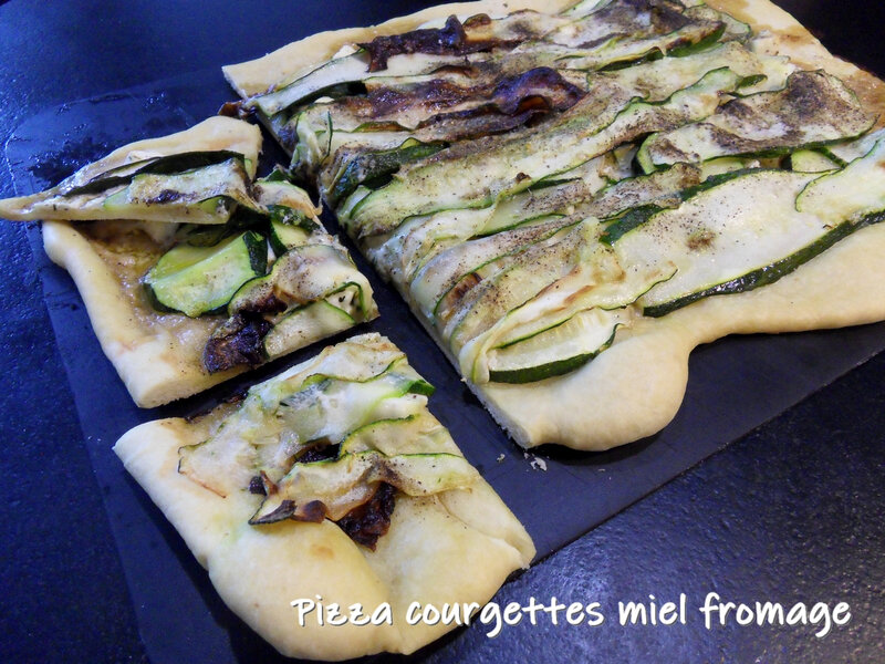 pizza courgettes miel fromage1