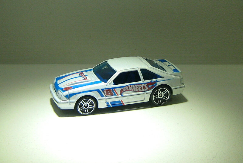Ford mustang de 1992 (Hotwheels 2011)