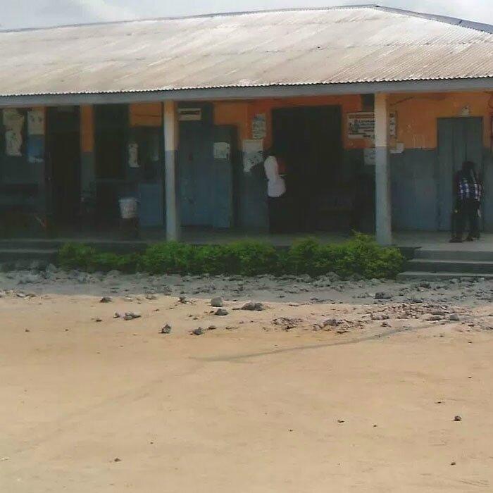 Les camerounais sont-ils soignés dans des porcheries ou des hôpitaux ? De qui se moque-t-on ?