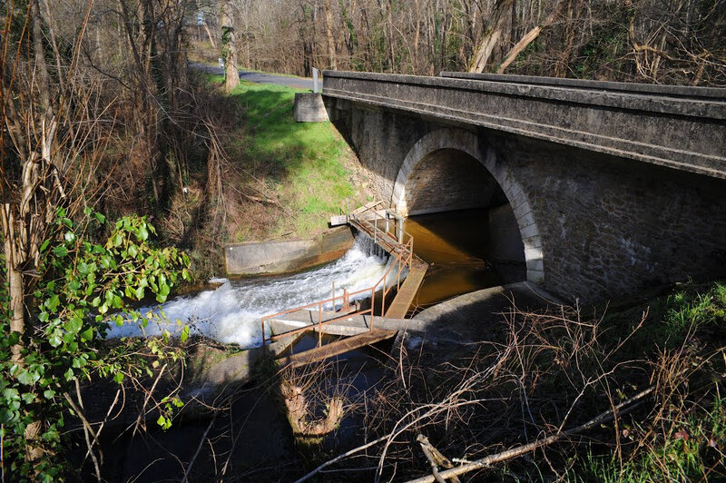 Photo-ruisseau-Escource-pont-voie-ancien-train