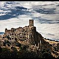 craco village medieval inhabite italie