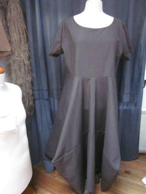 Robe EULALIE en lin brun (2)