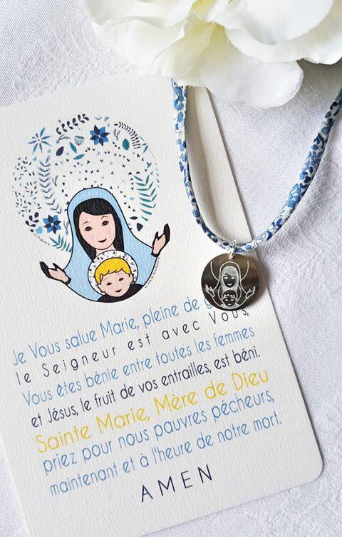 Catho Box Vierge à l'Enfant collier (bleu) - 22 €