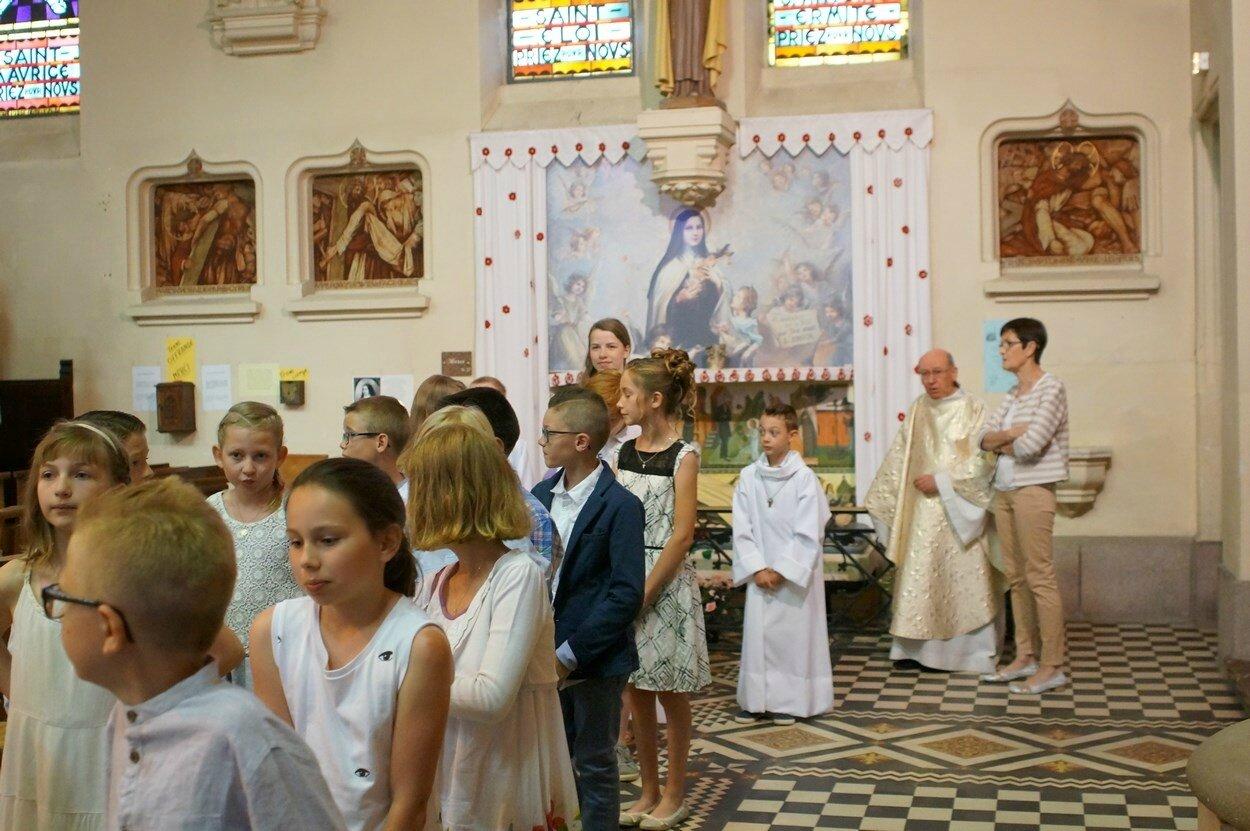 2017-05-28-entrées eucharistie-VIEUX-BERQUIN (14)