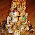 Croquembouche - gâteau d'anniversaire et de nouvel-an