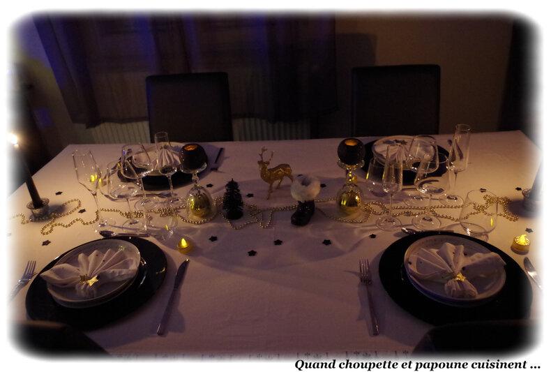 table du nouvel-an éclat d'or et noire-1314