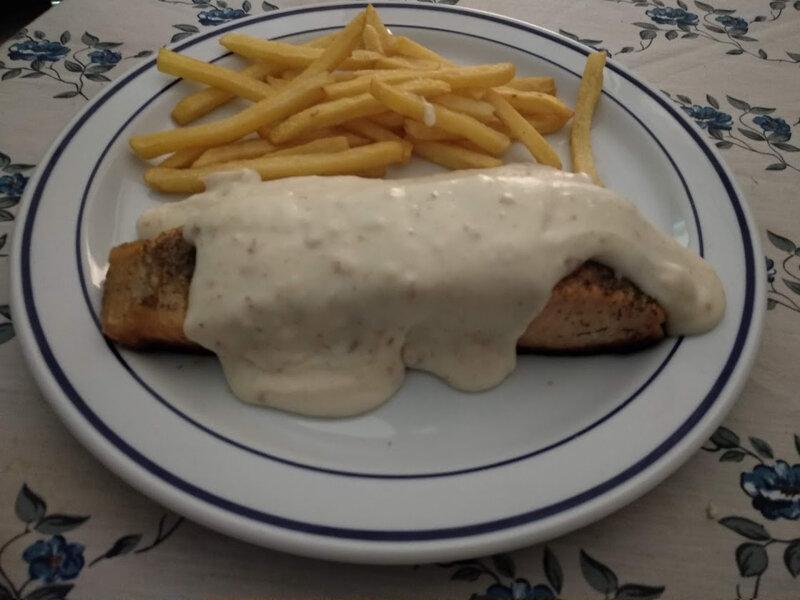 Pavés de saumon et sauce au fromage manchego