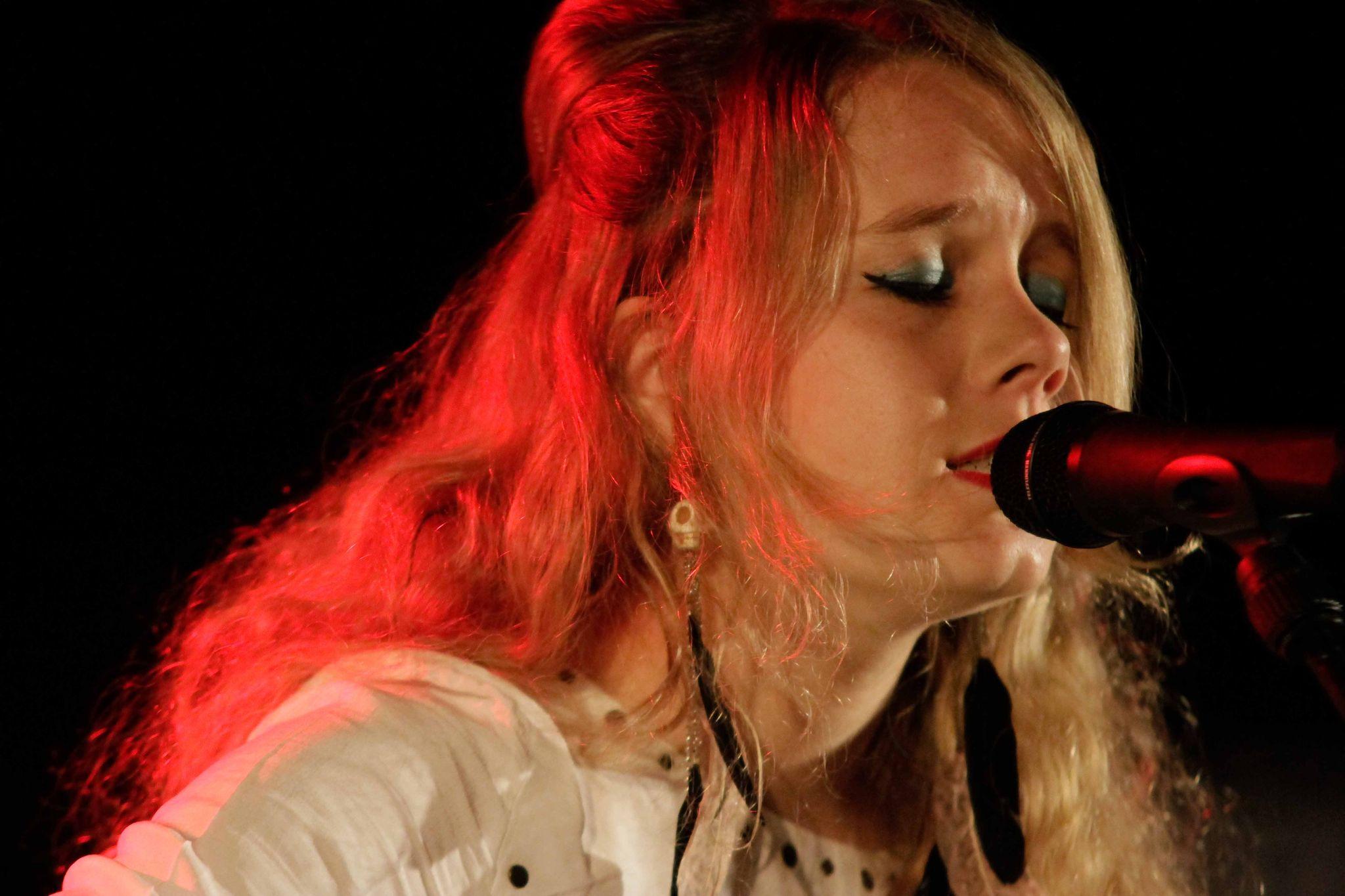 Lena Deluxe-FranceInter-Lille-2012-14