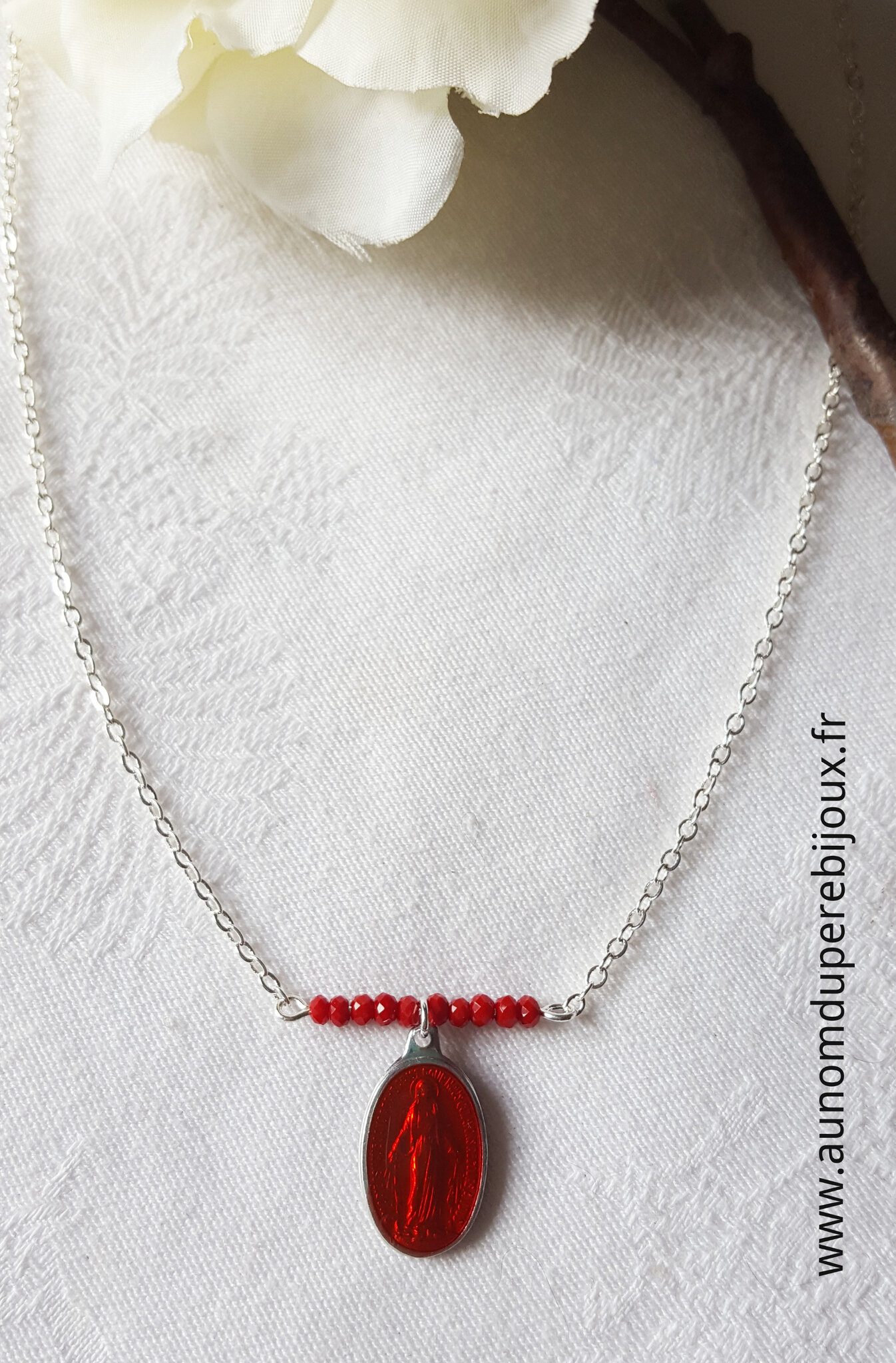 Collier Maria (rouge) - 15 €