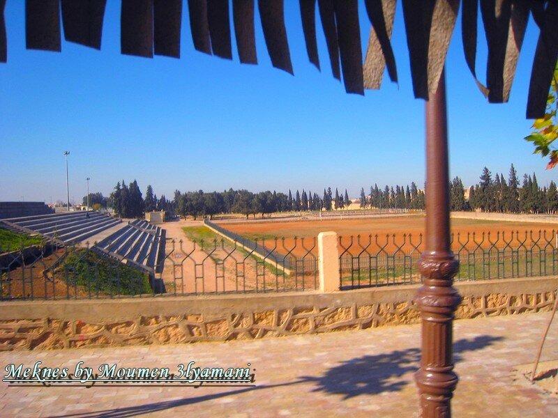 Terrain de football pres du camping de Meknes