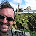 Jénorme, mèche au vent, à la Pointe Saint-Mathieu (29)