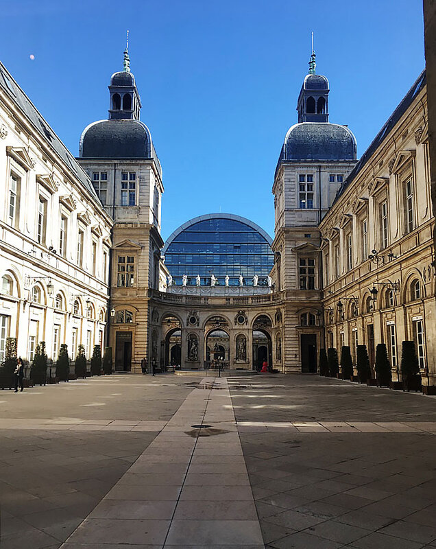 lyon-my-city-europe-hotel-de-ville-ma-rue-bric-a-brac