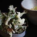 Tempuras de boutons de fleurs de salsifis Mayonnaise à la pimprenelle