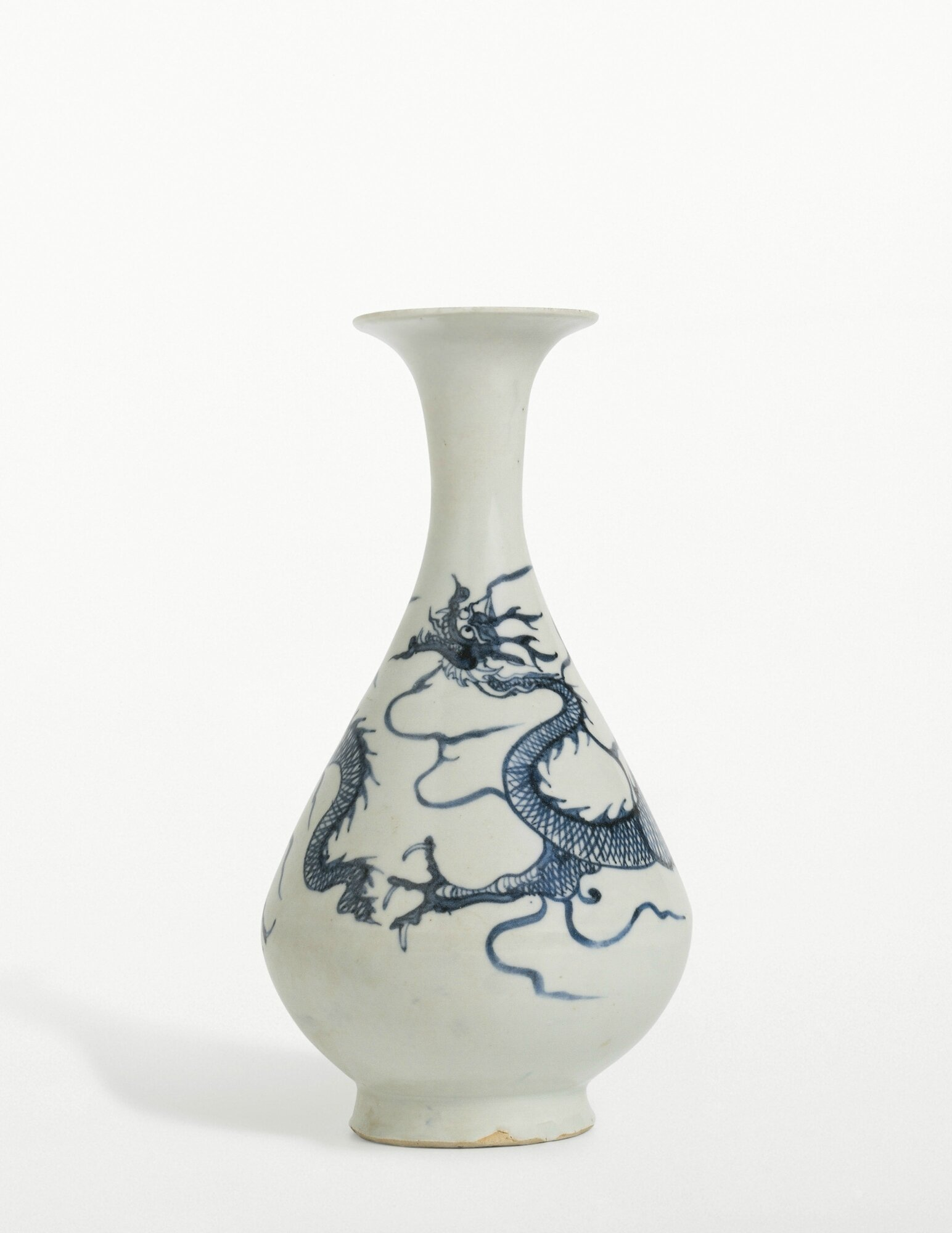 An important Blue and White'Dragon' bottle vase