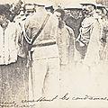 gendarmes remettant les condamnés aux bourreaux