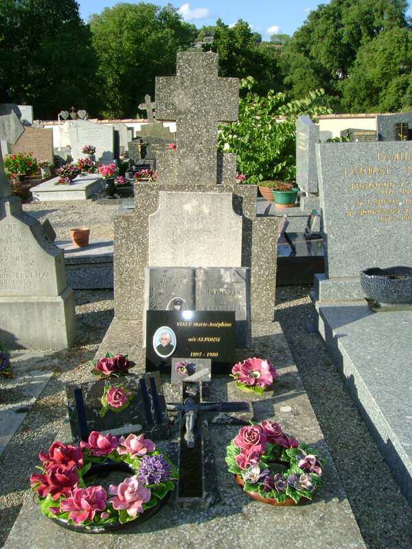 194 - Tombe de la famille Viale