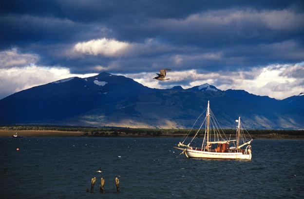 Puerto Natales, seno Ultima Esperanza, Chili, 2003