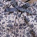 Culotte BIANCA en coton beige à fleurs grises - noeud gris à pois (3)