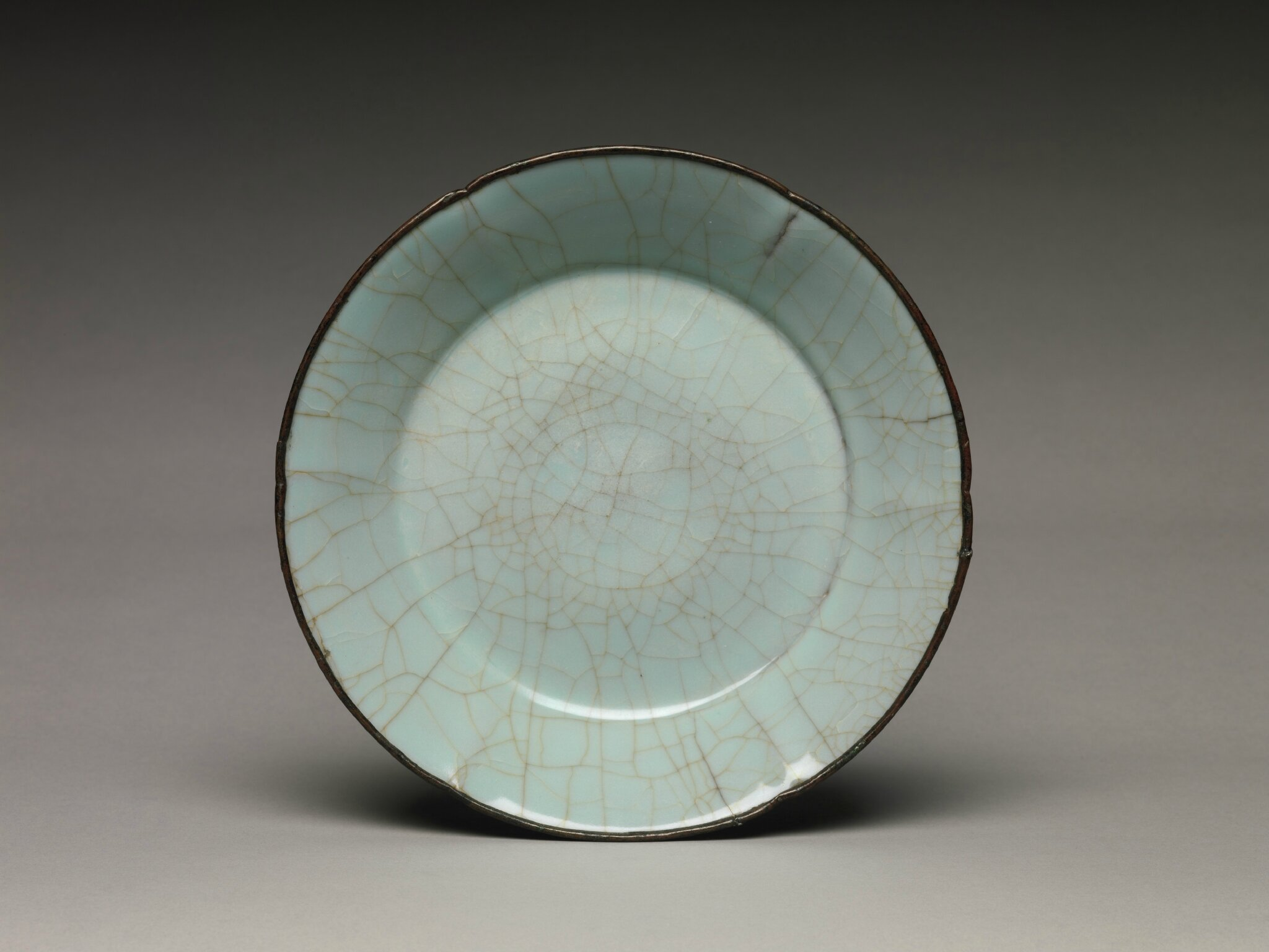 Guan ware Dish, late 12th–13th century, Southern Song dynasty (1127–1279)