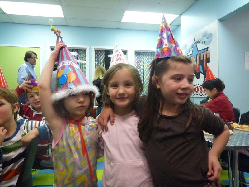 Hilary's birthday party (7) (TNT Gymnastics) décembre 2010
