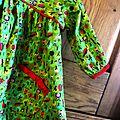 Une robe a manches longues en flanelle