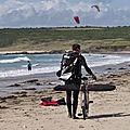 Kitesurf, windsurf et surf sur le spot de goulien à crozon (29) le 3 juillet 2020