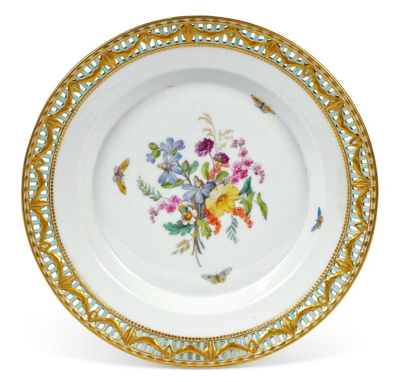 2020_CKS_18367_0098_005(a_berlin_porcelain_grand_duke_of_courland_pattern_part_dinner-service)
