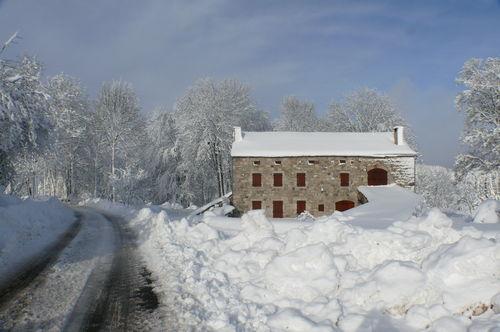 2008 12 17 La maison de Mr Bourette sous la neige et le soleil