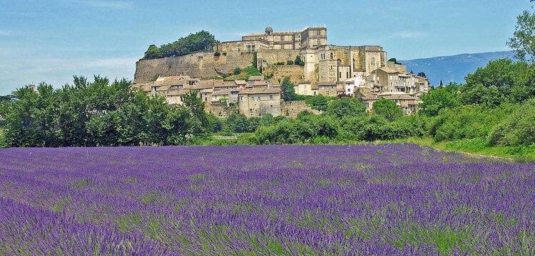 le-chateau-de-grignan-1041435904-1323243