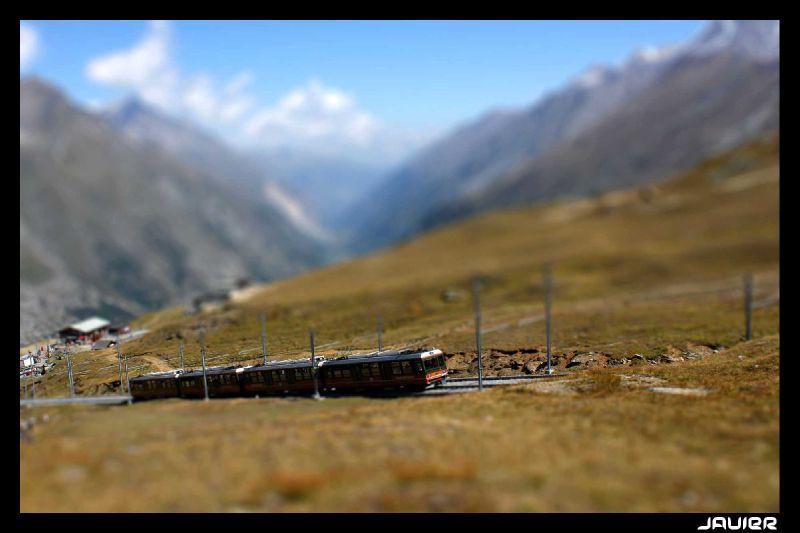 Miniaturisation, tiltshift, petit train, Valais