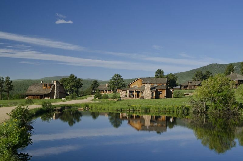 Horizontal-Ranch-with-Pond-in-Front-12 (1)