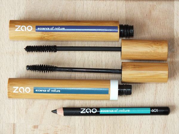 2 Zao-MamanFlocon-Maman-Flocon-Mascara-Crayon-Yeux