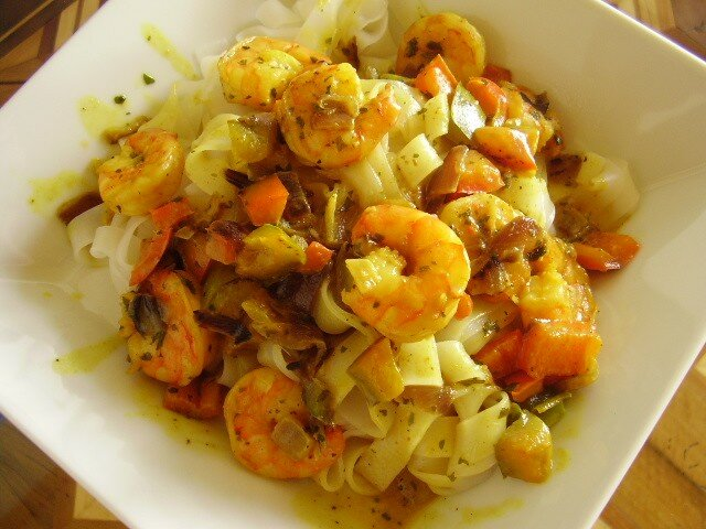 crevettes au curcuma et lait de coco