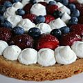 Tarte aux fruits rouges et chantilly au mascarpone sur sablé breton