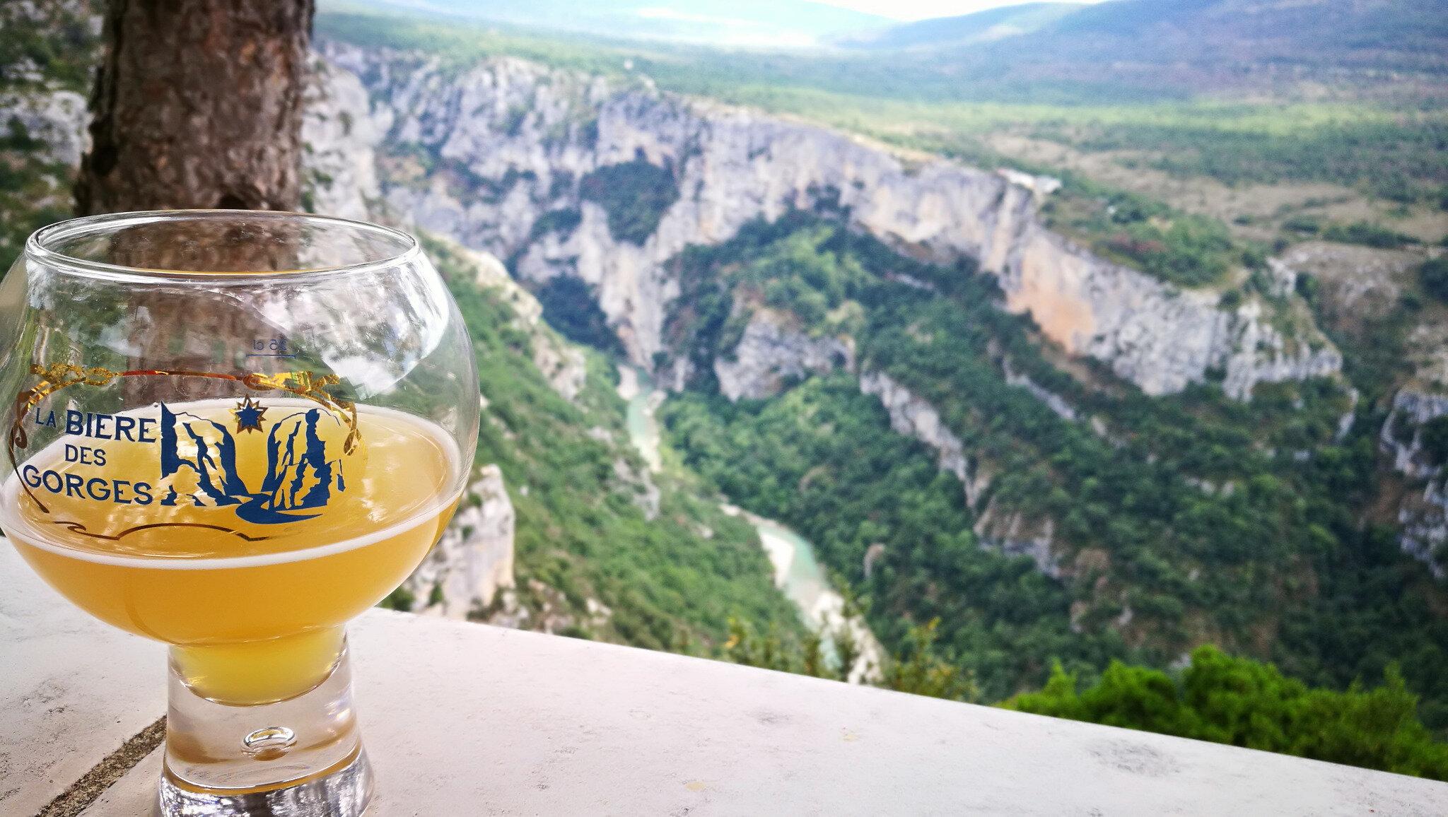 Gorges du Verdon, route panoramique, chalet de la Maline