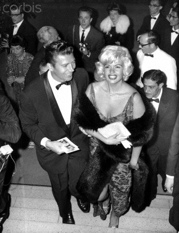 jayne-1955-06-berlin-film_festival-with_mickey-1