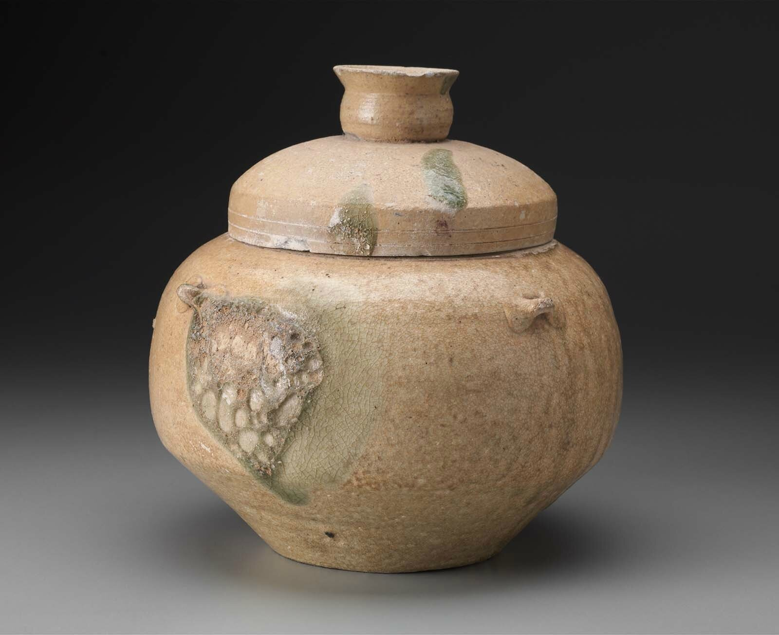 Covered jar (guan), Vietnam, Han-Viêt period, late 3rd century