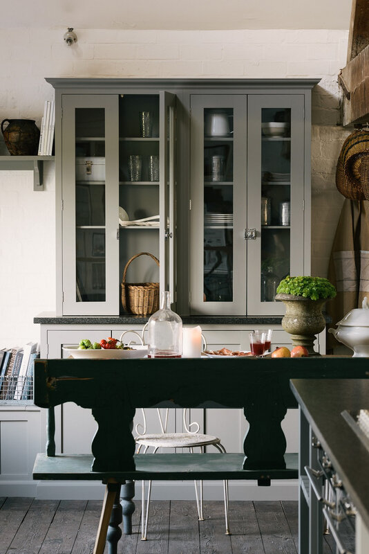9_-The-Real-Shaker-Kitchen-by-deVOL
