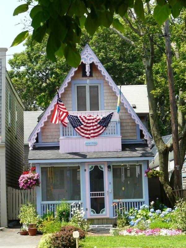 Le quartier methodiste et ses dizaines de maisons colorees